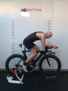 IL VINCITORE DI ICON EXTREME TRIATHLON DA ENDORFINA PER IL BIKE FITTING